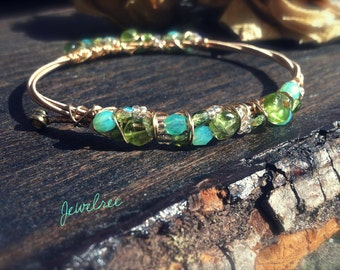 HIGH TIDE- Peridot and Glass Beaded GUITAR String Bangle. Musically Inspired, Stackable Bracelet. August Birthstone