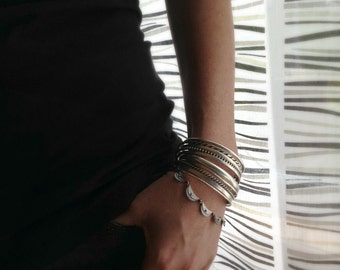 Scalloped dentelle Bracelet - sterling silver scallop articulated bracelet