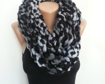Gift Circle Scarf, Scarf Black Winter, Long Top Fashion, Chain Top, Unique Fashion Top, Circle Cowl Wool, Gray Scarf Gift Idea, Large Scarf