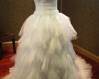 Princess Tulle Wedding Dress in White with Sweetheart Neckline
