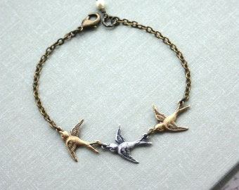 Three Tiny Flying Swallow Birds Bracelet. Mother Daughters. 3 Sisters. Best Friends. Seniors Graduation. Family of 3. New Baby. 3 Daughters