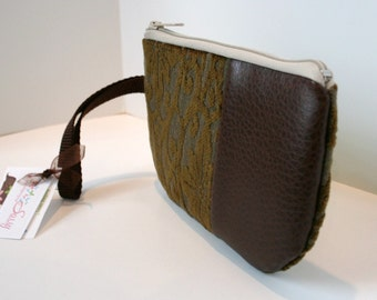 Brown Fabric Wristlet, IPhone Wristlet, Zippered SmartPhone Wristlet