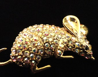 VINTAGE Large pouncing mouse in gold tone with aurora borealis stones