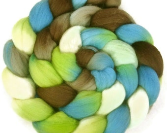 Handpainted Superfine Merino Wool Roving - 4 oz. METRO - Spinning Fiber