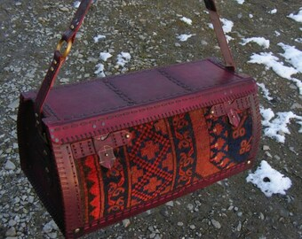 Carpet bag in antique persian rug and natural leather