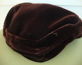 Vintage 1950s I. Magnin Importers Chocolate Brown Velvet Hat