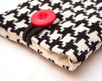 Padded Gadget Case for iPod Touch, iPhone4 or Camera-Black and White Houndstooth