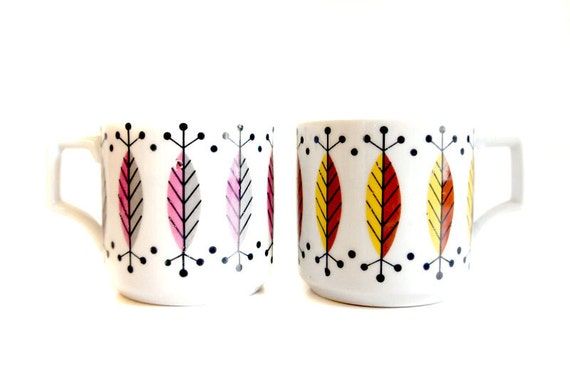 Graphic Mid Century Mugs // Set of Two
