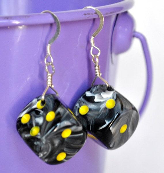 Dice Earrings - Grey Swirl d6 Six Sided Dice - Geeky Gamer Jewelry