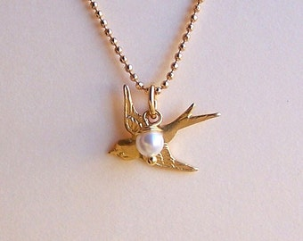 Bird Necklace - Tiny Bird Charm, Swarovski Pearl and Gold Filled Chain, Bridesmaids Jewelry, Animal Jewelry - 4081