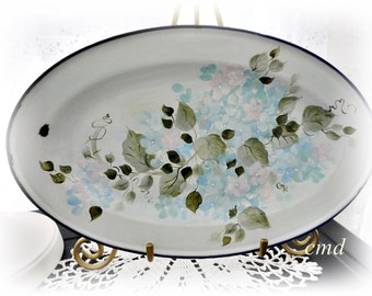 Vintage EnamelWare Oval Metal Dish, Hand Painted Hydrangeas, ECS, CSSTeam