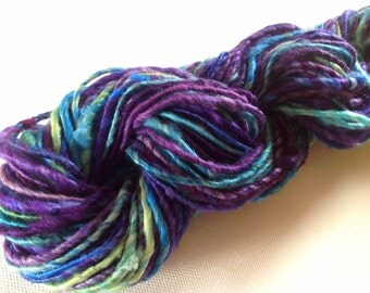 Handspun yarn corespun silk hankies yarn 64yds Paua art yarn