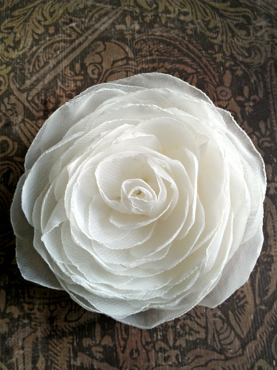 Bridal Hair Flowers, Wedding Hair Clip in Ivory