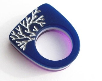 Modern Acrylic Ring Plexi Amethyst Violet Purple Cobalt Blue White Silvery Branches Simple 9