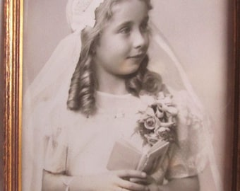Vintage 1930's Girl In White Dress & Veil Confirmation Photo