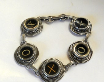 Typewriter Key Jewelry, Bracelet.  XO, Hugs and Kisses,  Retro. Recycyled. Reclaimed. Vintage. Custom Orders Welcome.