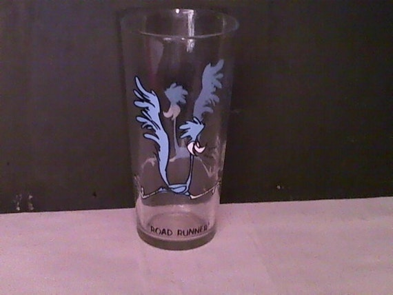 PEPSI GLASS- The Road Runner. Collectible 1973 Pepsi Drinking Glass.