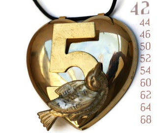 Big Necklace Vintage Heart with a Number 5 and a Collaged Bird - French Text