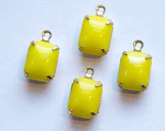 Vintage Opaque Yellow Stones 1 Loop Brass Setting 10mm x 8mm squ003B