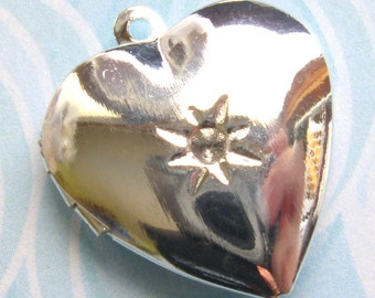 Silver Heart Lockets - Set of 5 - Glossy Silver Finish Valentine's Day Pendant 20x22mm (SC0049)