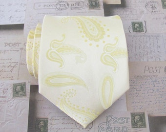 Mens Ties. Necktie Cream and Yellow Paisley Silk Mens Tie