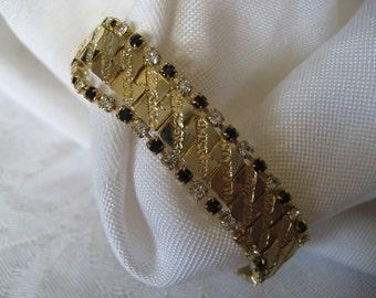 VINTAGE Gold Metal Black & Diamond Rhinestone COSTUME JEWELRY Bracelet