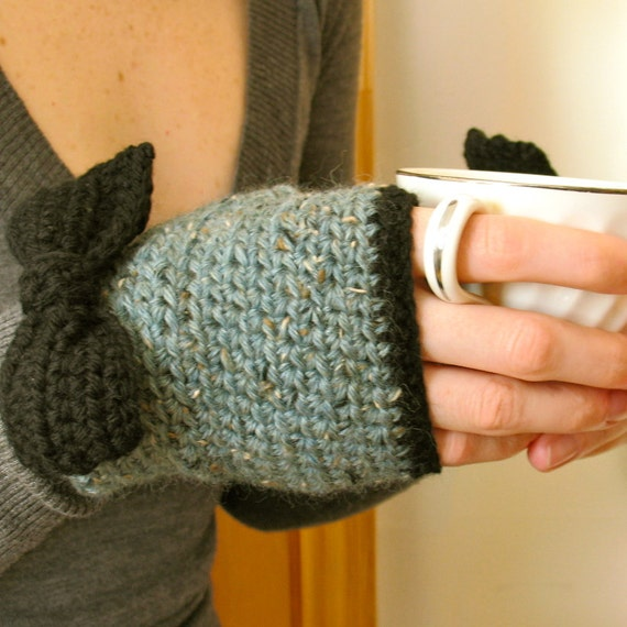 Lady Bows / Hand Crochet Fingerless Gloves, Tweed Wool, Spruce Green, Black Bows, Two Tone, Hand Warmers - Ready to Ship