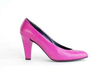 size 7.5 | vintage Charles Jourdan leather court shoes | fuchsia leather pumps | made in France | 38