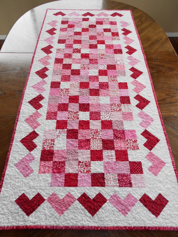 Large Valentines Table Runner And 4 Matching Hotpads