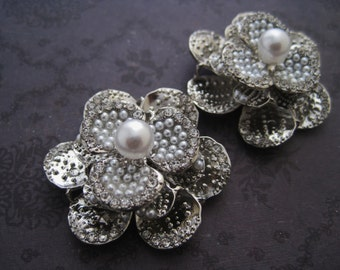 Silver pearl and rhinestone metal shoe clips
