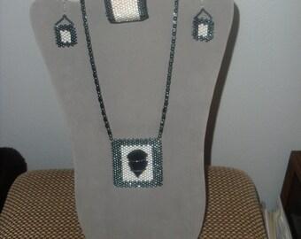 NECKLACE  & Earrings  AO 68