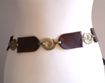 Unique Leather and Metal Swirl Belt