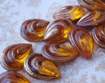 2 Vintage 18x13mm Topaz Pear/Teardrop Art Deco Gold Foiled Pointed Back Faceted Glass Jewels or Cabs with Gold Foiled Ridges