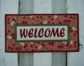 Quilted Welcome Wall Hanging - Strawberries (EDWLA)