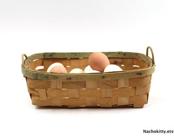 1930s Basket with Green Accents, Vintage Kitchen Decor