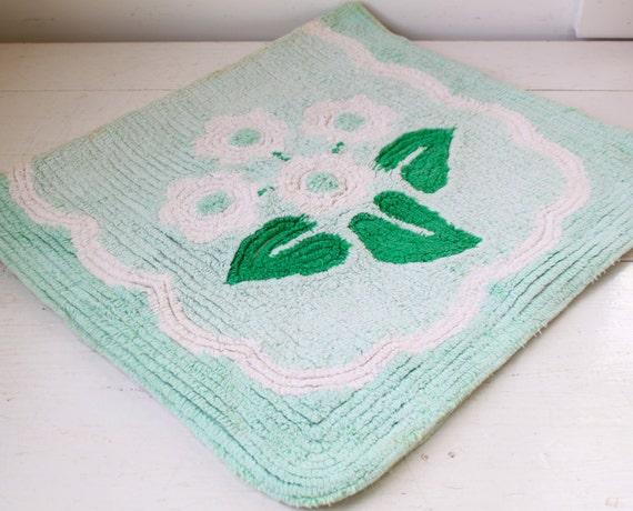 Vintage 1950s Chenille Rug Mint Green White Flowers Bath Mat