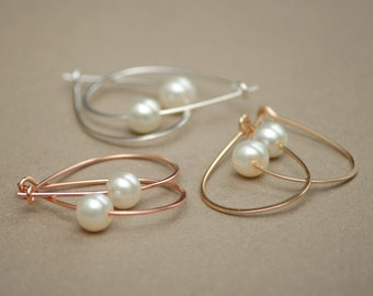 hoop earrings. rose gold or yellow gold pearl hoops. classic hoops for her. delicate, hammered hoops. gift for her.