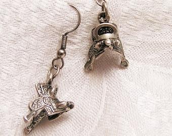 Vintage Sterling Saddle Pierced Earrings J145