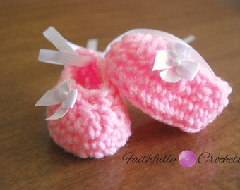 Newborn Pink Bow shoes... Ready to ship
