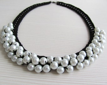 Black white pearl crocheted chain necklace