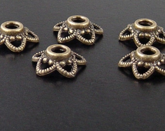REDUCED Bronze Bead Cap 50 Antique Bronze Flower Filigree Victorian 5-point 11mm x 4.5mm 2.5mm hole NF (1064cap11z1)xz