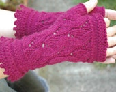 Montmartre Fingerless Gloves  - Wavy Lace Hand Warmers with Picot detailing at Wrist