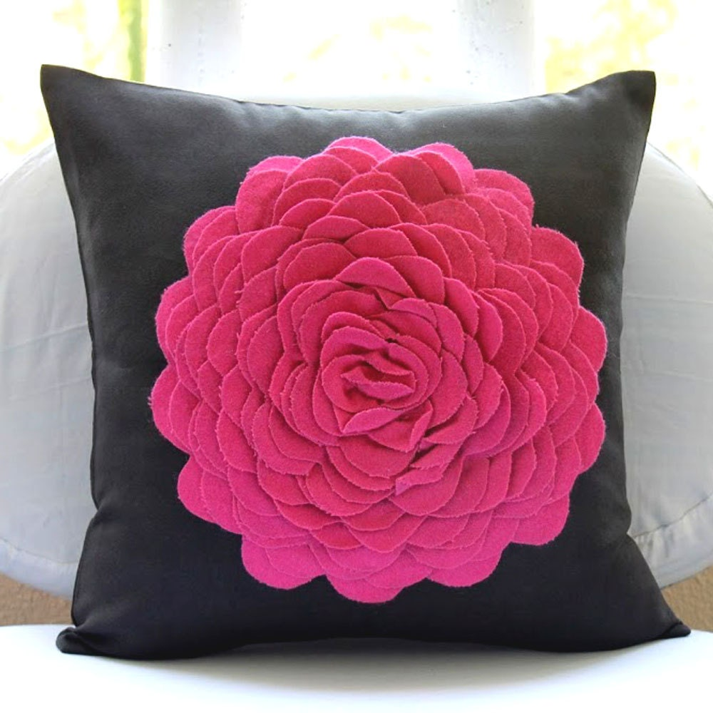Pink throw pillows cover for couch square 3d felt fuchsia for Decorative bed covers