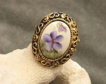 Vintage Ring Large Purple Flower  R5229