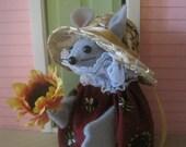 Felt Mouse with a Sunflower