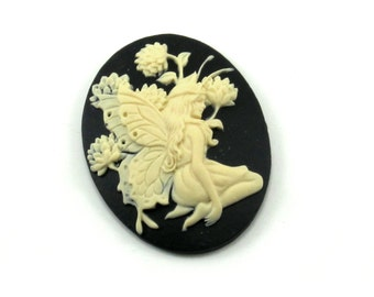 40x30mm Butterfly Fairy Cameo in Cream on Black - Woodland, Bohemian, Forest Nymph