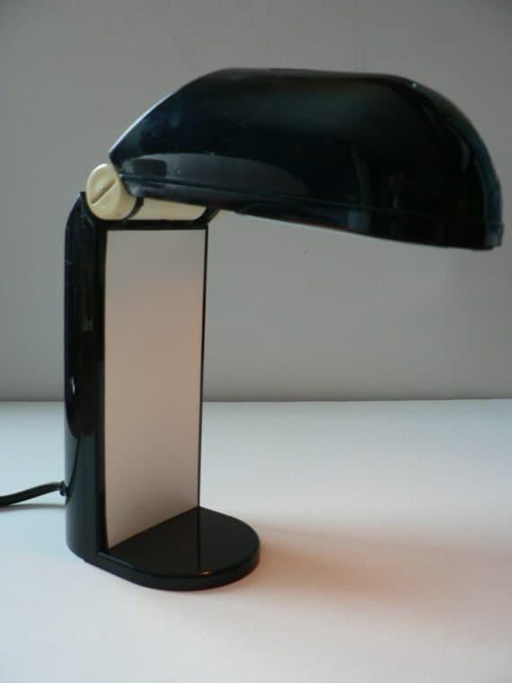 Design italien vintage ann es 60 70 pliantes plastique noir de - Lampe designer italien ...