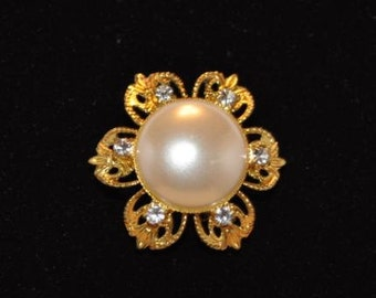 Gold Tone CZ and Pearl Flower Broach