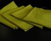 4 NAPKINS AVOCADO GREEN Vintage 16 x16 Retro MidCentury