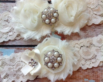 IVORY  wedding garter set / bridal  garter/  lace garter / toss garter included /  wedding garter / vintage inspired